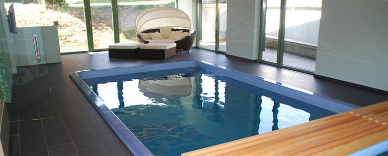 indoor swimmingpool. Black Bedroom Furniture Sets. Home Design Ideas